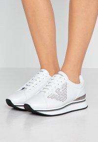 Emporio Armani - TANYA - Sneakersy niskie - white - 0