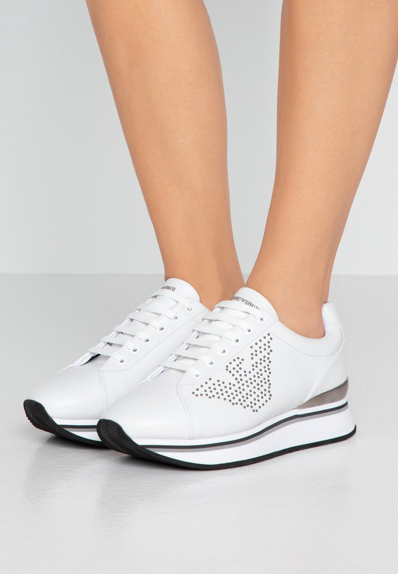 Emporio Armani - TANYA - Sneakersy niskie - white