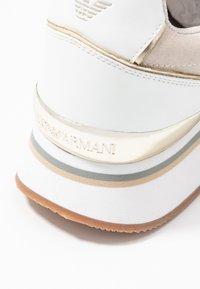 Emporio Armani - CHRISTINA - Zapatillas - white/frost/gold - 2