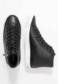 Emporio Armani - Sneakers hoog - black - 3