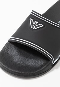Emporio Armani - Pantofle - black/white - 6