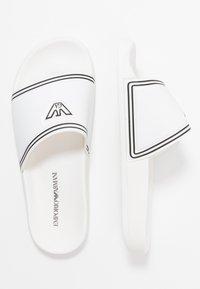 Emporio Armani - Pantofle - onxy/white/black - 3