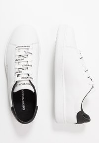 Emporio Armani - Matalavartiset tennarit - white/black - 3