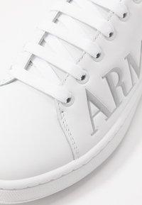 Emporio Armani - Baskets basses - white/silver - 2