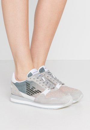 Sneaker low - plaster/nude/white