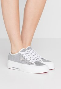 Emporio Armani - Baskets basses - white/silver - 0