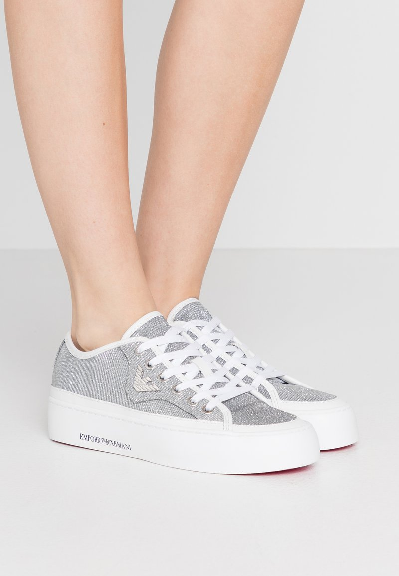 Emporio Armani - Baskets basses - white/silver