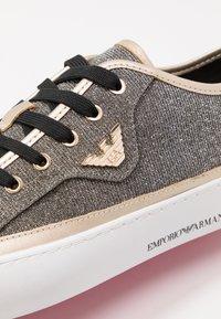 Emporio Armani - Sneaker low - black/gold - 5