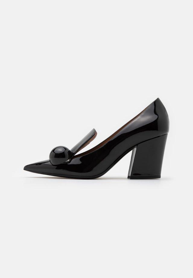 Klassieke pumps - black/white