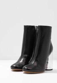 Emporio Armani - High heeled ankle boots - black/silver - 4