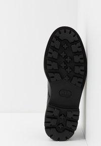 Emporio Armani - Šněrovací boty - black/white - 4