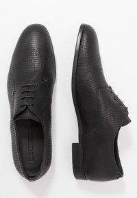 Emporio Armani - Lace-ups - black - 1
