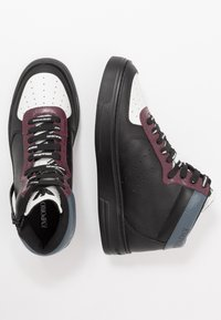 Emporio Armani - Zapatillas altas - black/white/vineyard - 1