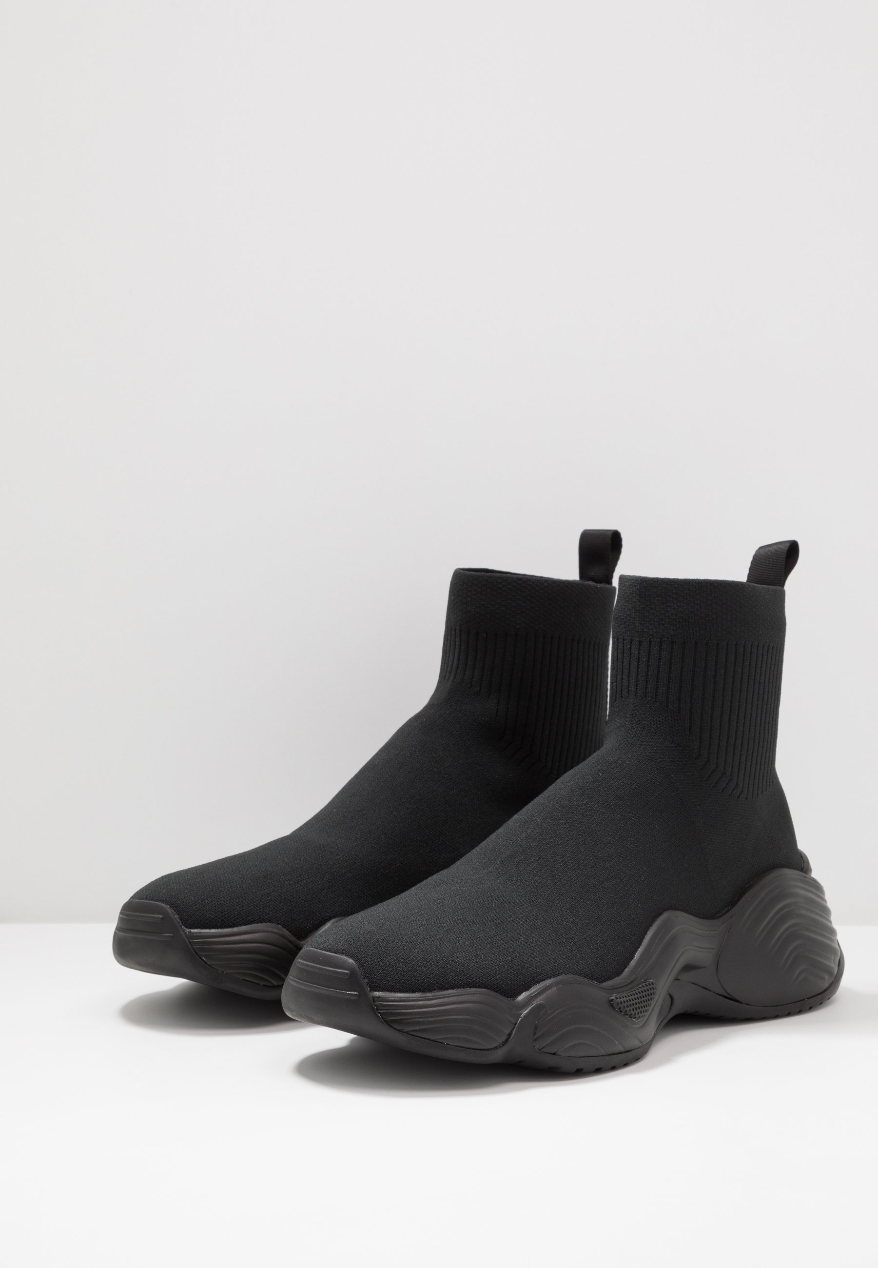 Emporio Armani Höga Sneakers - Black