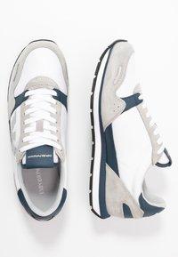 Emporio Armani - ZONE - Trainers - grey/white - 1
