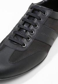 Emporio Armani - DERBY ACTION  - Sneakers - black - 5