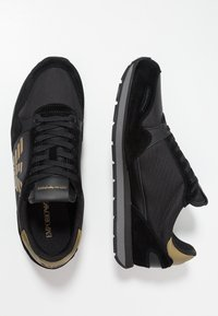 Emporio Armani - Baskets basses - black/gold - 1