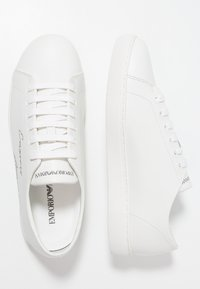 Emporio Armani - Sneaker low - optical white - 1