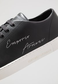Emporio Armani - Baskets basses - black - 5