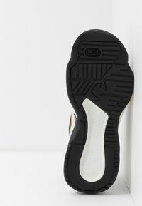 Emporio Armani - Sneakers laag - plaster/black - 4