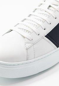 Emporio Armani - Sneakers - white/night - 5