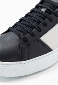 Emporio Armani - Sneakers - night/offwhite - 5