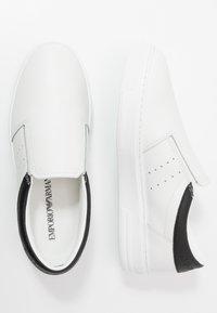 Emporio Armani - Półbuty wsuwane - white/black - 1