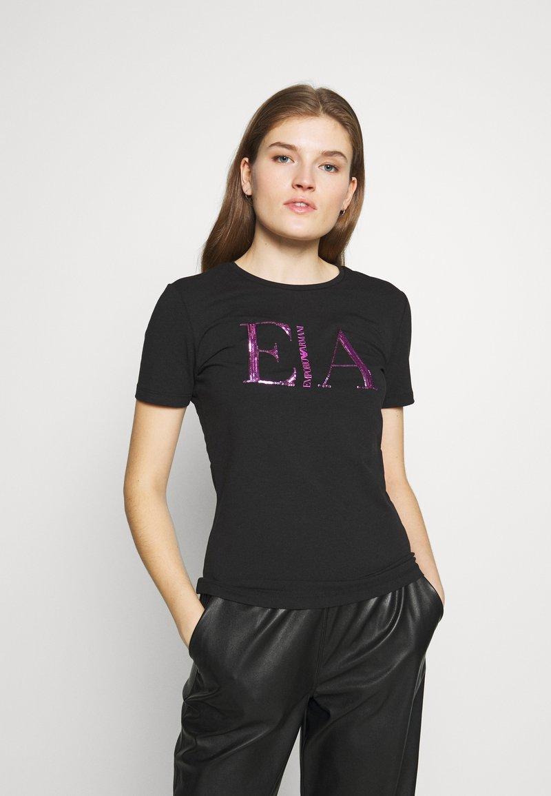 Emporio Armani - T-shirt con stampa - nero
