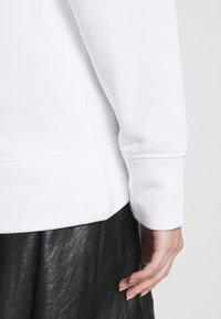 Emporio Armani - Sudadera - bianco - 4