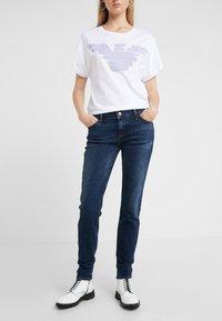 Emporio Armani - Jeans Skinny Fit - denim blue - 0