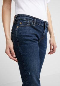 Emporio Armani - Jeans Skinny Fit - denim blue - 3