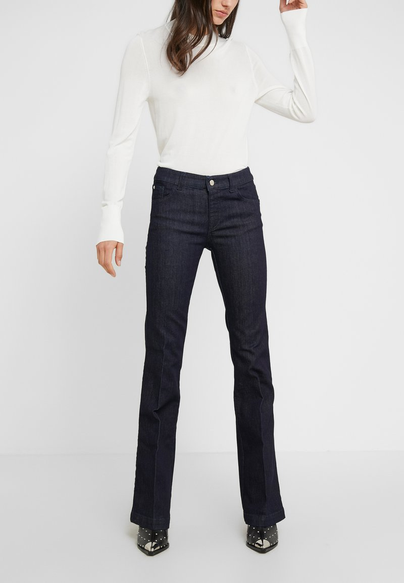 Emporio Armani - Flared Jeans - denim blu