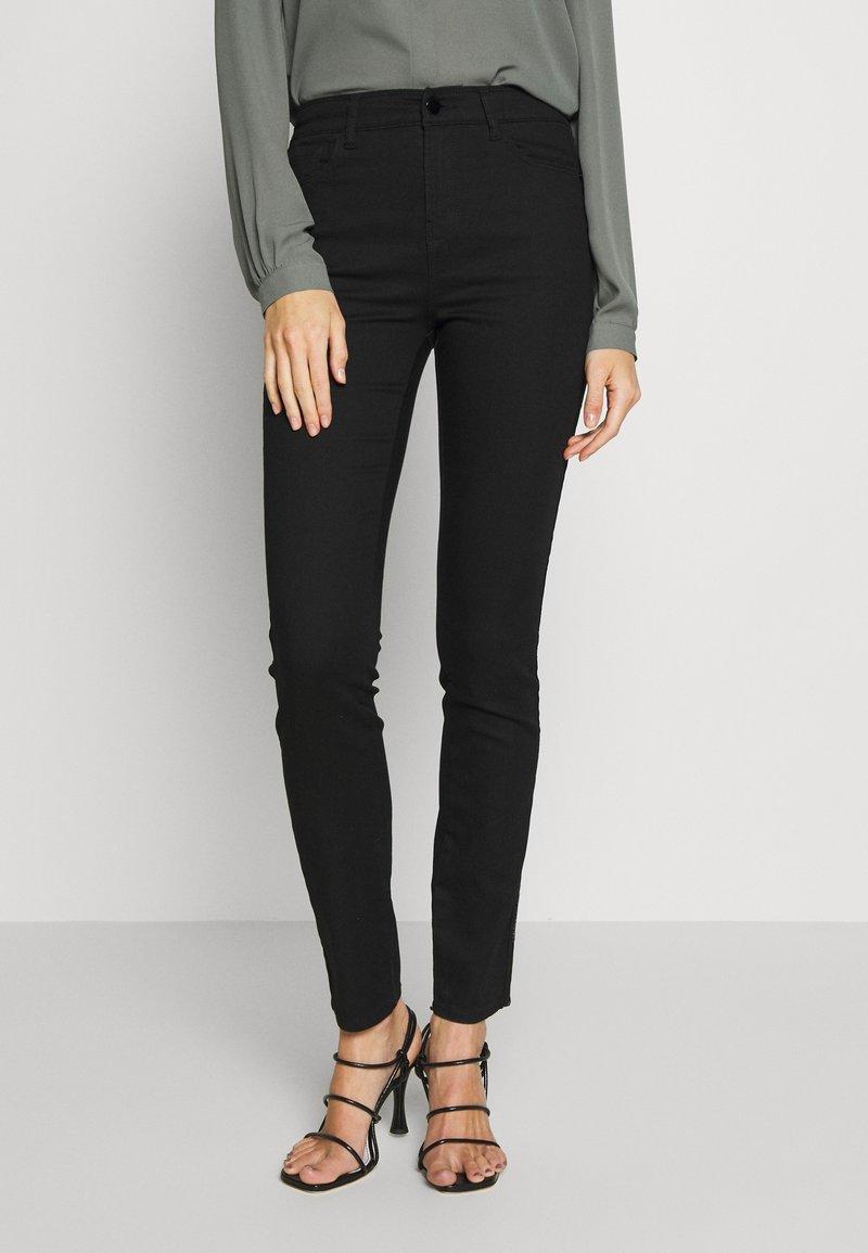 Emporio Armani - 5 POCKETS PANT - Jeans Slim Fit - black