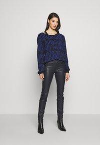 Emporio Armani - 5 POCKETS PANT - Slim fit jeans - black - 1