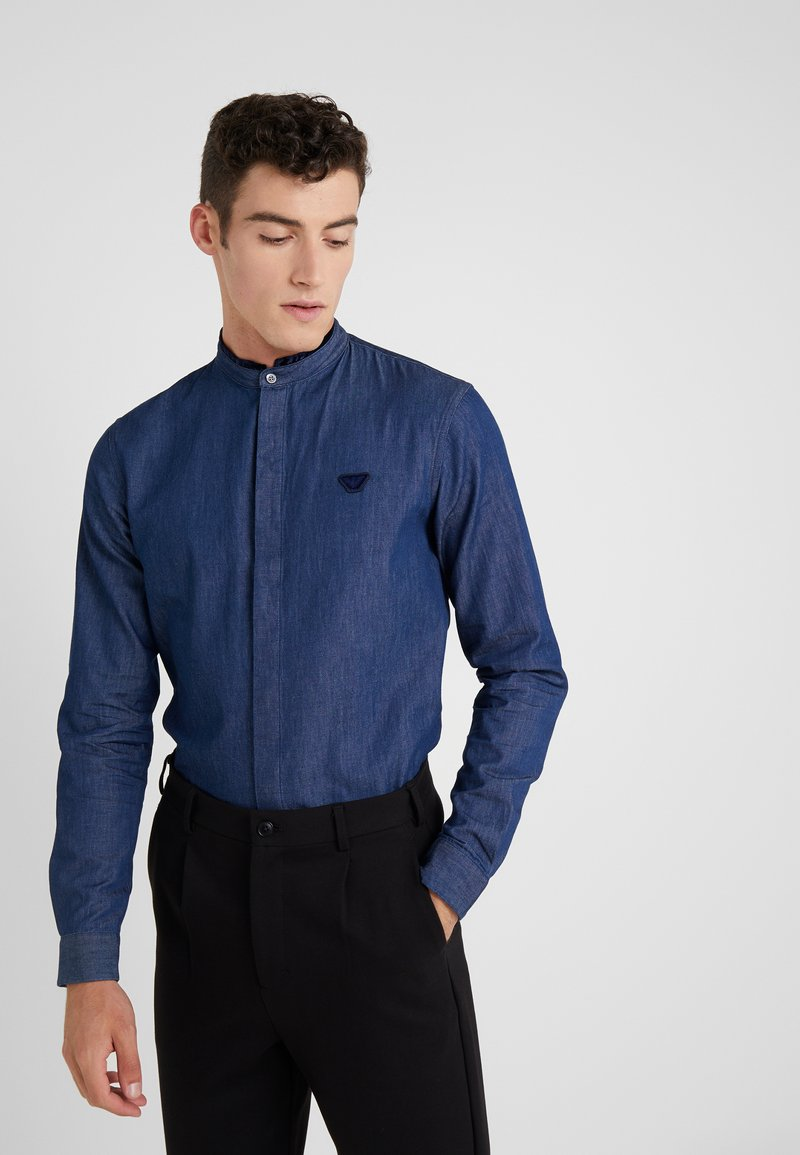 Emporio Armani - CAMICIA - Camisa - denim blu