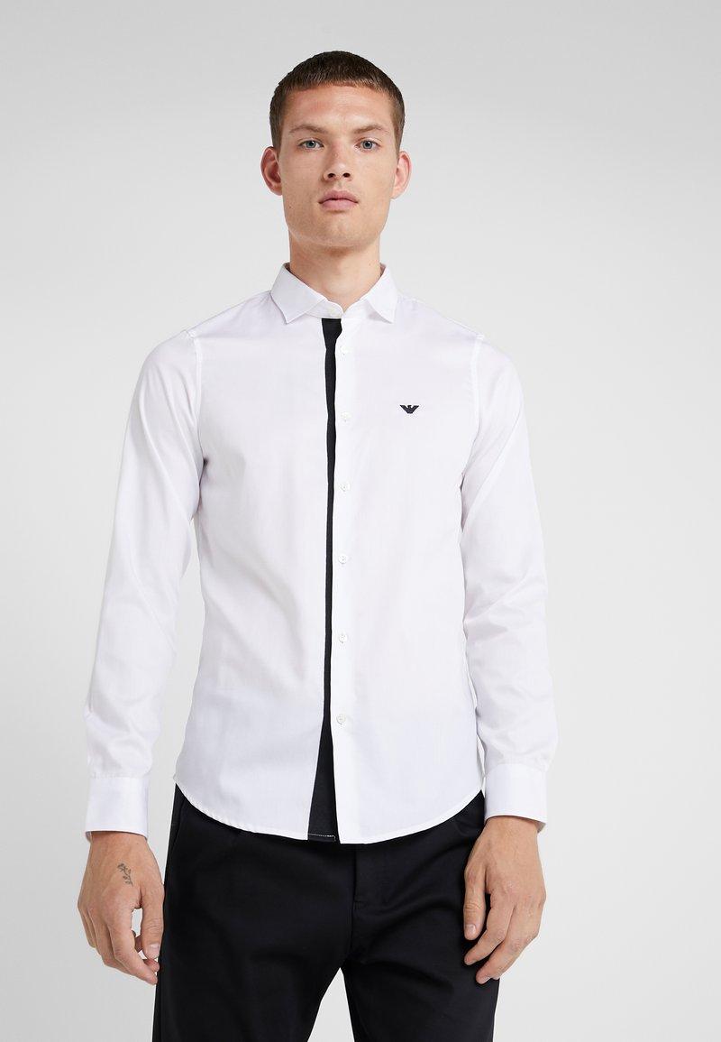 Emporio Armani - CAMICIA SLIM FIT - Formální košile - bianco ottico