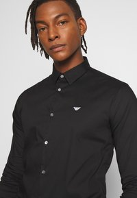Emporio Armani - EXCLUSIVE CONTRAST LOGO - Shirt - black - 3