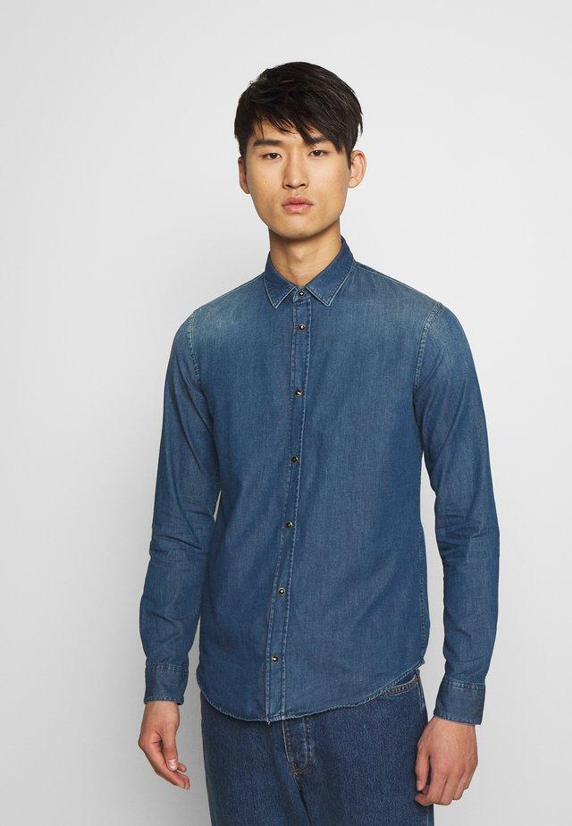 CAMICIA - Skjorter - blue denim