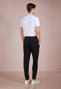 Emporio Armani - PANTALONI - Teplákové kalhoty - nero - 2