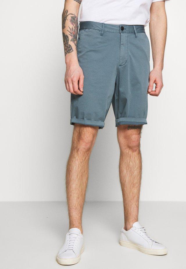 BERMUDA - Shorts - azzurro fumo