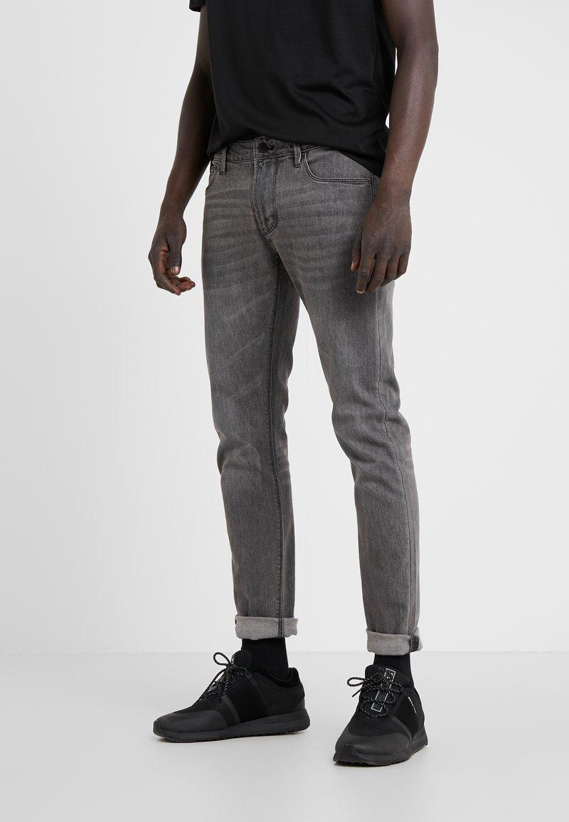 Emporio Armani - Slim fit -farkut - denim nero