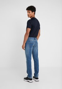 Emporio Armani - Jeans straight leg - denim blue - 2