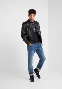 Emporio Armani - Jeans straight leg - denim blue - 1