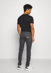 Emporio Armani - Jeans slim fit - denim grigio - 2