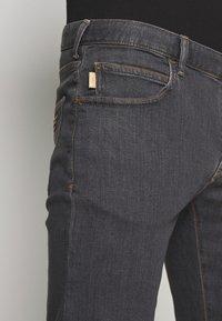Emporio Armani - Jeans slim fit - denim grigio - 3