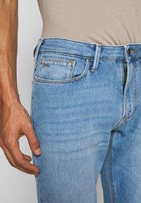 Emporio Armani - Slim fit jeans - denim blu - 5