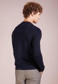 Emporio Armani - T-shirt à manches longues - blu scuro - 2