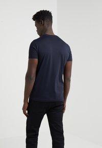 Emporio Armani - T-shirt print - dark blue - 2