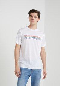 Emporio Armani - T-Shirt print - white - 0