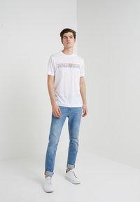 Emporio Armani - T-Shirt print - white - 1